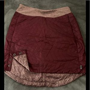 NWOT quilted maroon skirt sz S